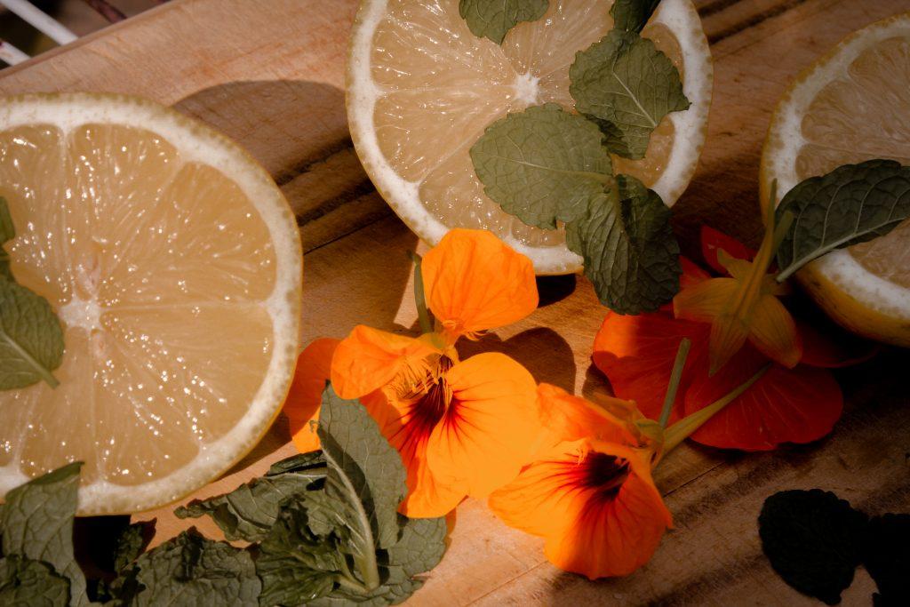 warm sunshiney lemon cordial